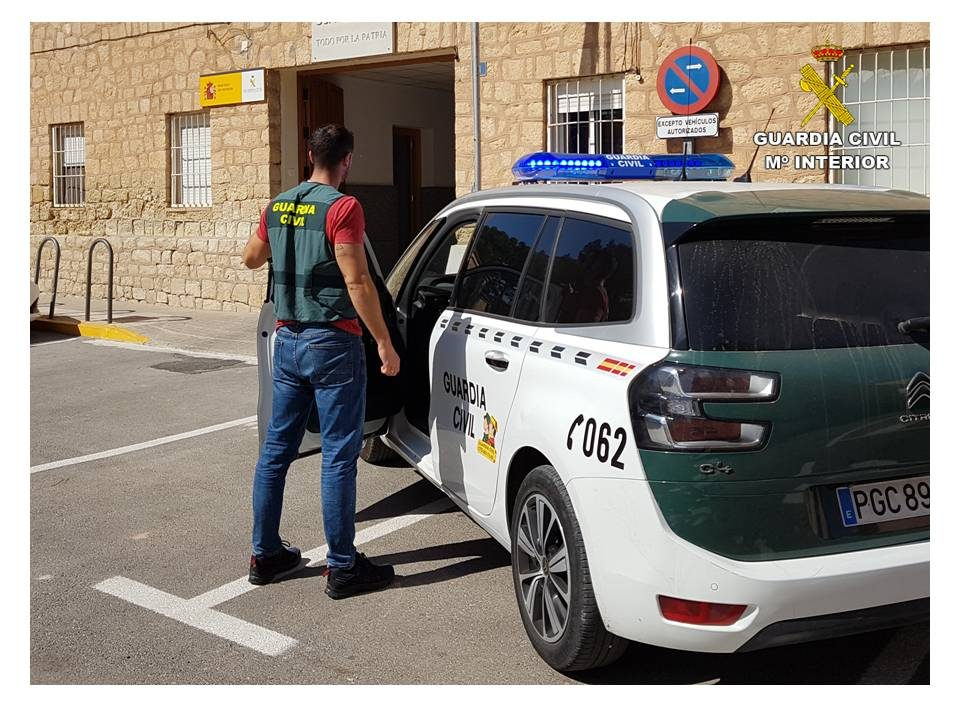 Desarticulan un grupo criminal asentado en la Vega Baja especializado en robos en viviendas 6