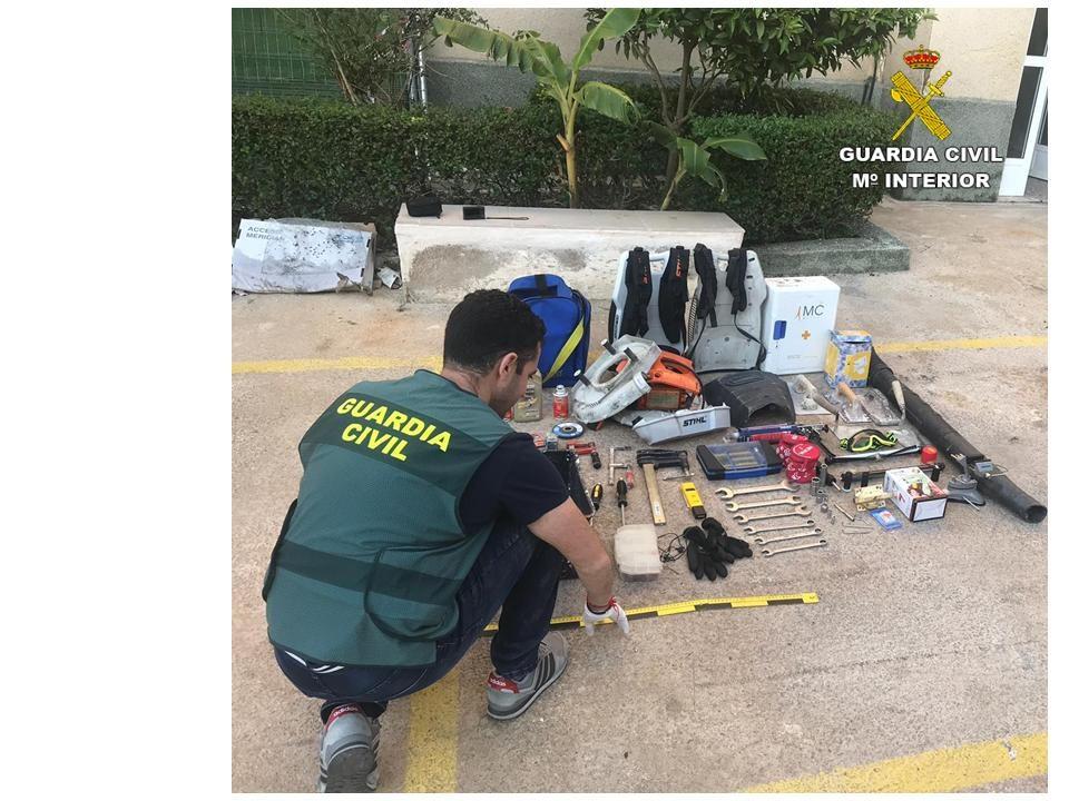 La Guardia Civil detiene a cuatro menores por tres delitos de robo 6