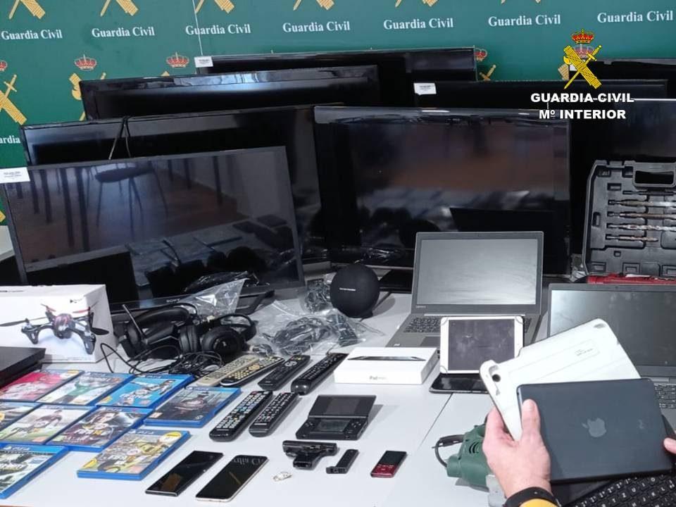 Detenido un ladrón que había robado en siete domicilios de la Vega Baja 6