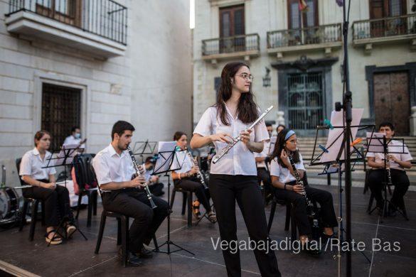 """La música refresca las """"nochecitas de Orihuela"""" 8"""