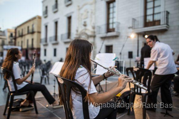 """La música refresca las """"nochecitas de Orihuela"""" 9"""