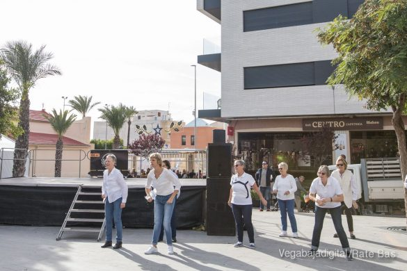 El deporte y la solidaria protagonizan la 9ª Feria de Navidad de Los Montesinos 17
