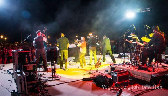 Imágenes del concierto The Troupers Swing Band en Orihuela Costa 73
