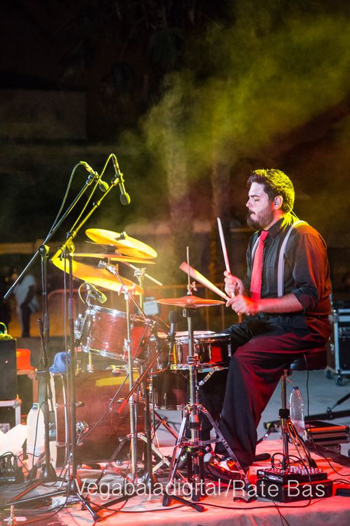 Imágenes del concierto The Troupers Swing Band en Orihuela Costa 72