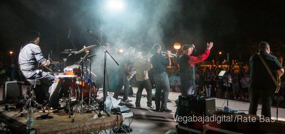 Imágenes del concierto The Troupers Swing Band en Orihuela Costa 67