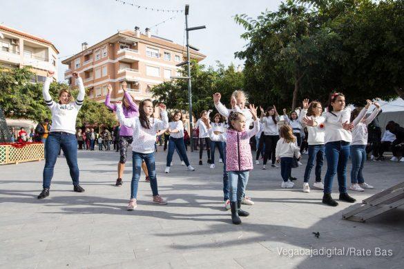 El deporte y la solidaria protagonizan la 9ª Feria de Navidad de Los Montesinos 39
