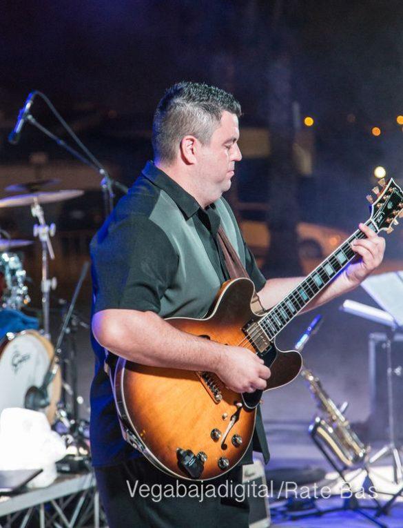 Imágenes del concierto The Troupers Swing Band en Orihuela Costa 66