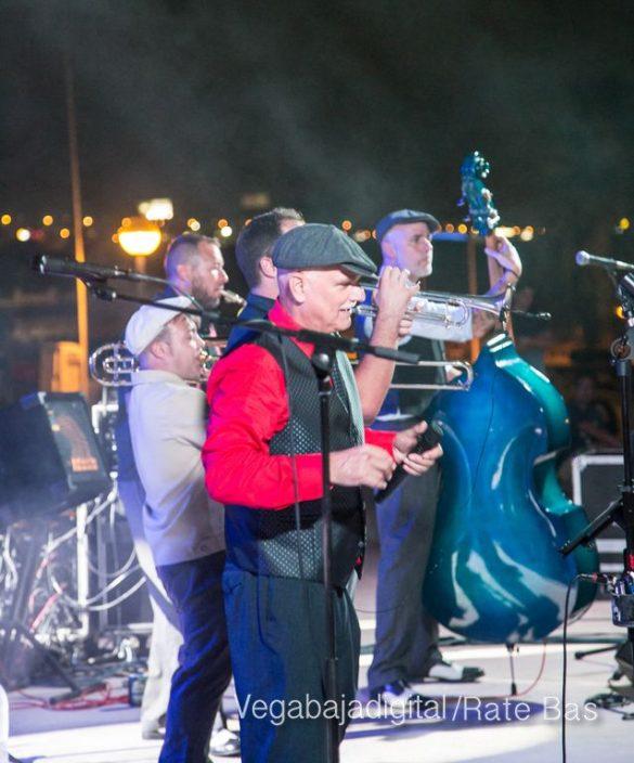 Imágenes del concierto The Troupers Swing Band en Orihuela Costa 65