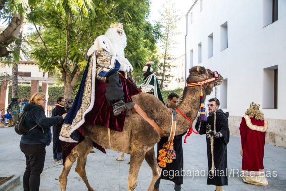Los Reyes Magos se reencuentran con los niños de Orihuela 9