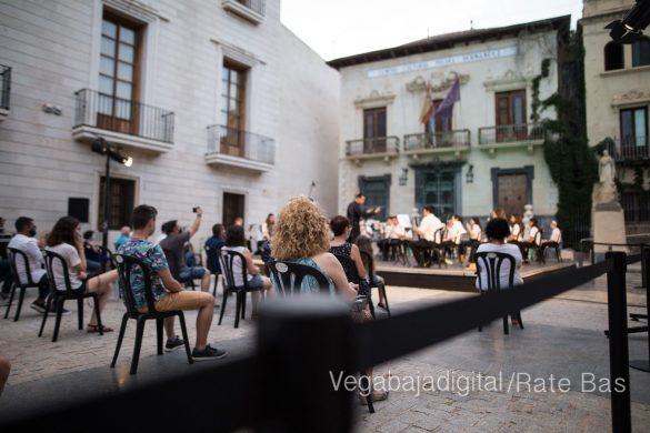 """La música refresca las """"nochecitas de Orihuela"""" 25"""