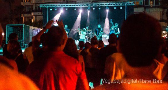 Imágenes del concierto The Troupers Swing Band en Orihuela Costa 59