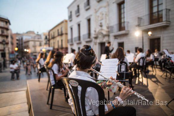 """La música refresca las """"nochecitas de Orihuela"""" 27"""