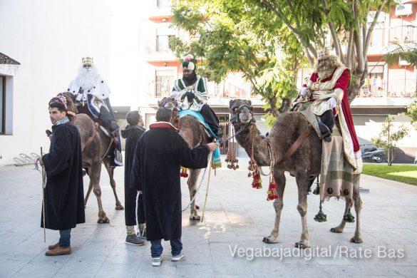 Los Reyes Magos se reencuentran con los niños de Orihuela 10