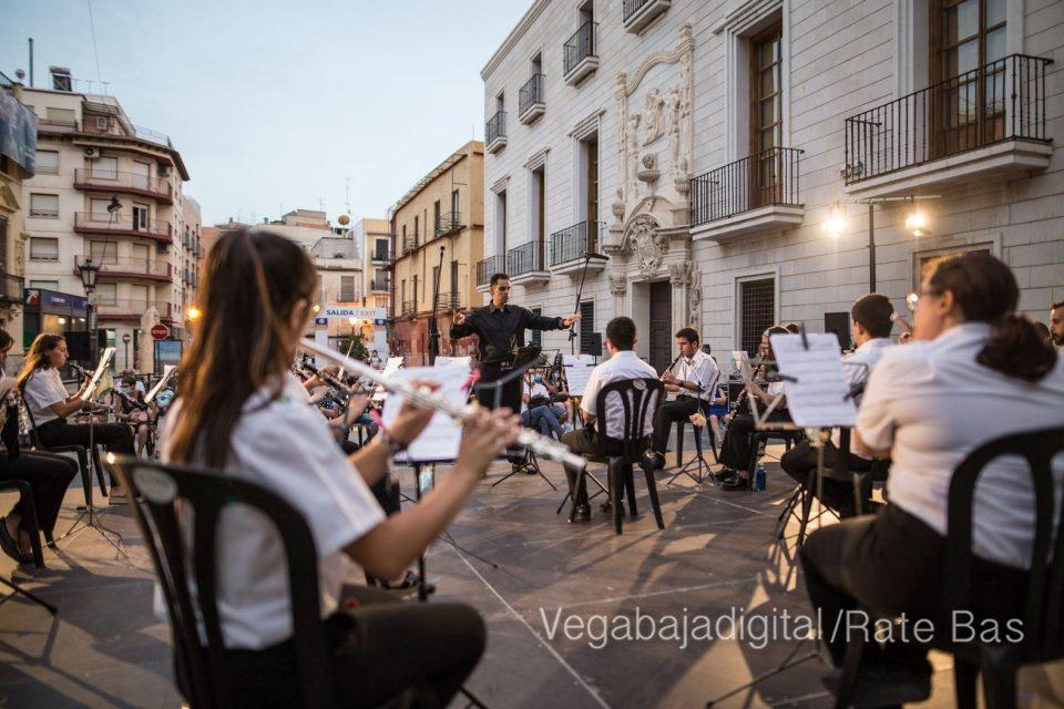 """La música refresca las """"nochecitas de Orihuela"""" 6"""
