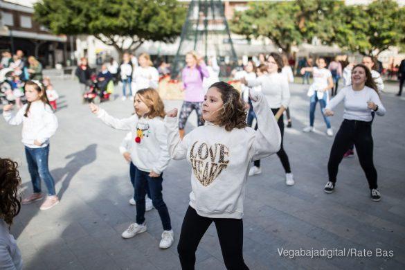El deporte y la solidaria protagonizan la 9ª Feria de Navidad de Los Montesinos 54