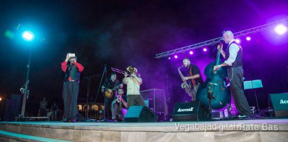 Imágenes del concierto The Troupers Swing Band en Orihuela Costa 58