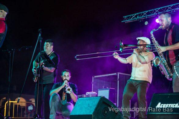 Imágenes del concierto The Troupers Swing Band en Orihuela Costa 57