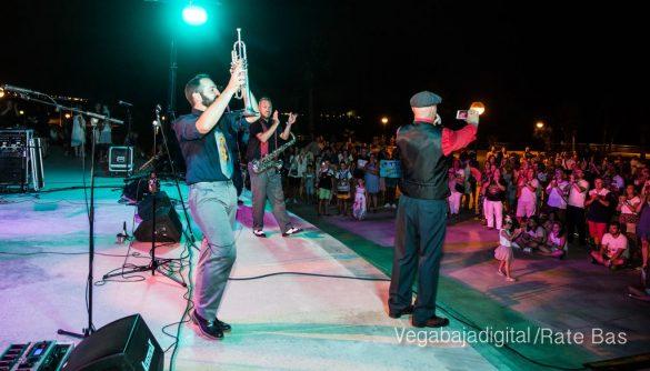 Imágenes del concierto The Troupers Swing Band en Orihuela Costa 55