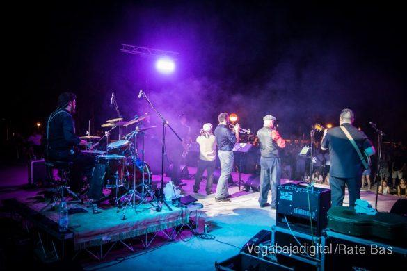 Imágenes del concierto The Troupers Swing Band en Orihuela Costa 51
