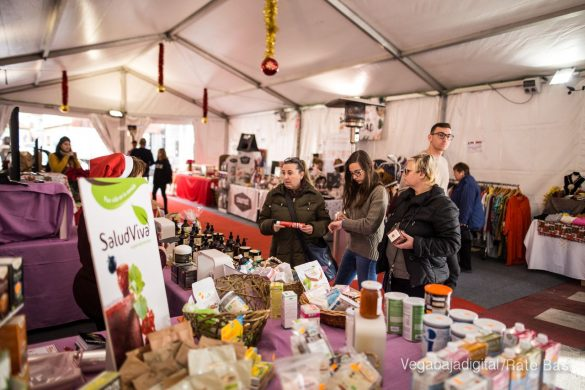 El deporte y la solidaria protagonizan la 9ª Feria de Navidad de Los Montesinos 61