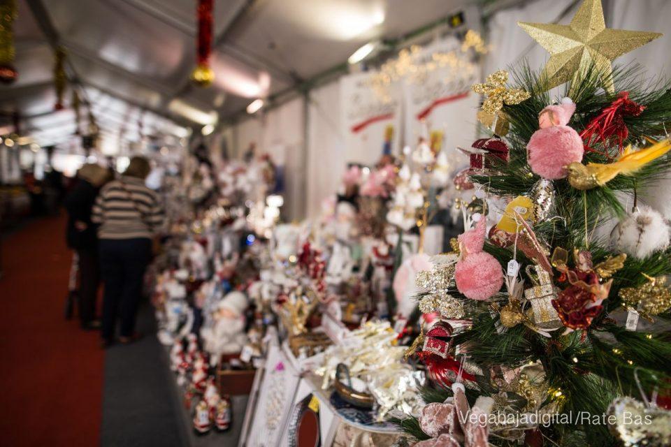 Las luces de Navidad en Los Montesinos quedarán encendidas este viernes 6