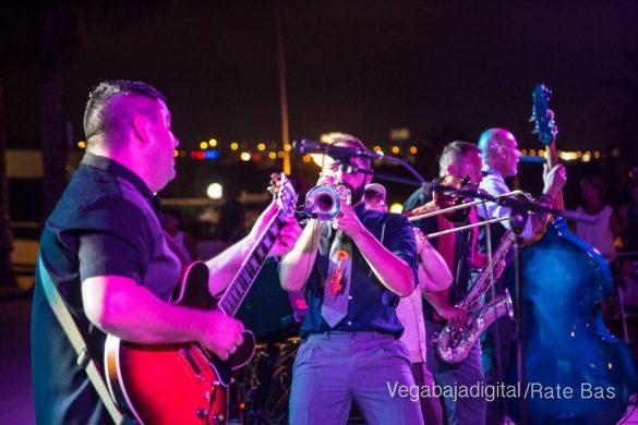 Imágenes del concierto The Troupers Swing Band en Orihuela Costa 49