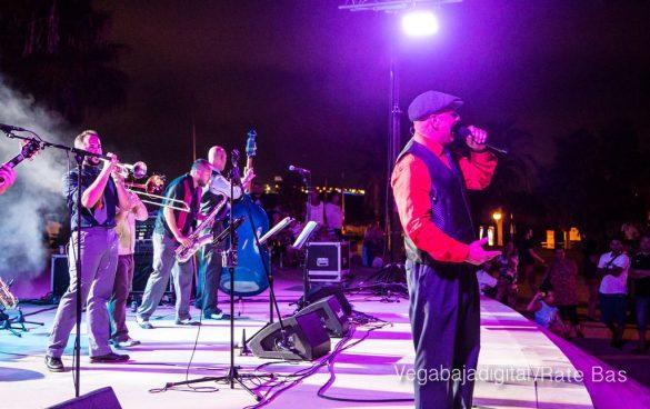 Imágenes del concierto The Troupers Swing Band en Orihuela Costa 46
