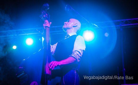 Imágenes del concierto The Troupers Swing Band en Orihuela Costa 36