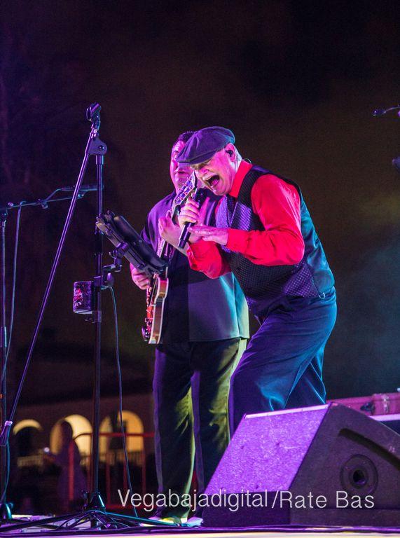 Imágenes del concierto The Troupers Swing Band en Orihuela Costa 34