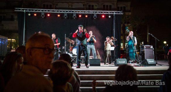 Imágenes del concierto The Troupers Swing Band en Orihuela Costa 30