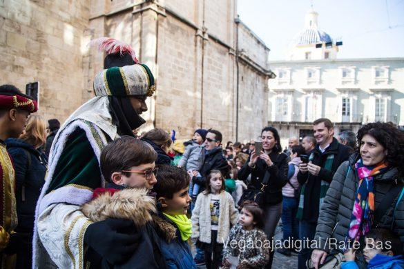 Los Reyes Magos se reencuentran con los niños de Orihuela 23