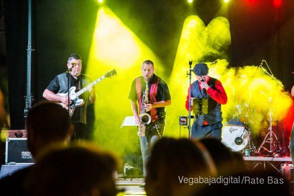 Imágenes del concierto The Troupers Swing Band en Orihuela Costa 27