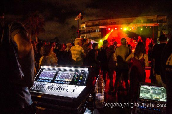 Imágenes del concierto The Troupers Swing Band en Orihuela Costa 26
