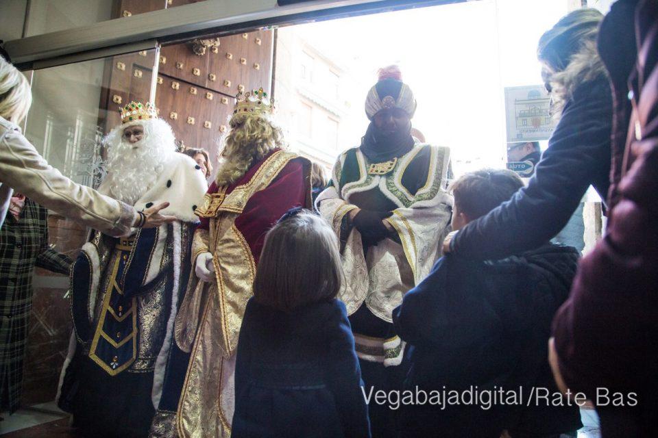 Los Reyes Magos se reencuentran con los niños de Orihuela 6