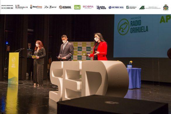 FOTOGALERÍA | Gala III Edición de los Premios Radio Orihuela 70