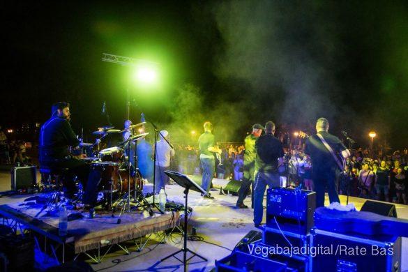 Imágenes del concierto The Troupers Swing Band en Orihuela Costa 10