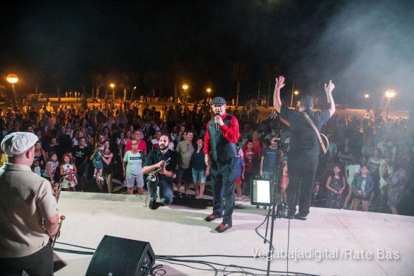 Imágenes del concierto The Troupers Swing Band en Orihuela Costa 8
