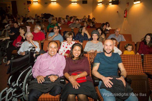 Éxito en la presentación del calendario solidario de AECC Orihuela 8