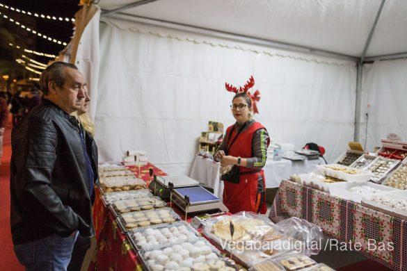 Redován recibe la Navidad con la mejor oferta comercial y degustación de embutidos 39