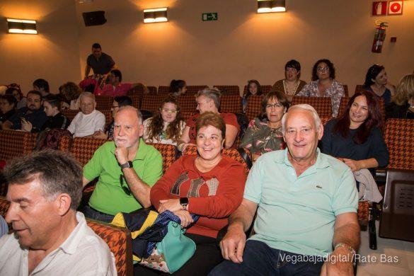 Éxito en la presentación del calendario solidario de AECC Orihuela 31