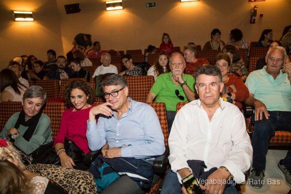 Éxito en la presentación del calendario solidario de AECC Orihuela 32