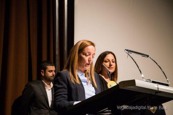 Éxito en la presentación del calendario solidario de AECC Orihuela 48