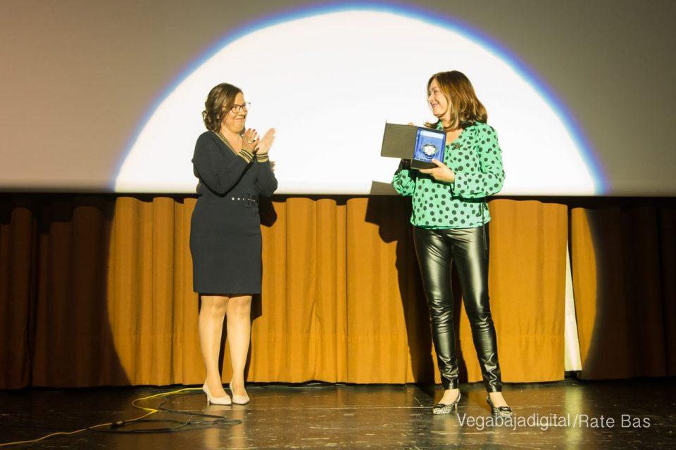 Éxito en la presentación del calendario solidario de AECC Orihuela 6