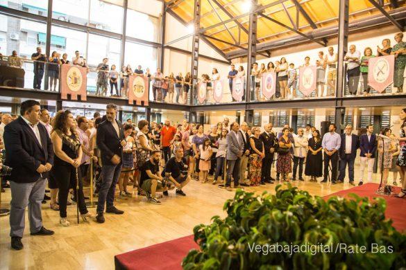 El Ayuntamiento homenajea a los cargos festeros de los Moros y Cristianos 15