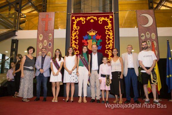 El Ayuntamiento homenajea a los cargos festeros de los Moros y Cristianos 25