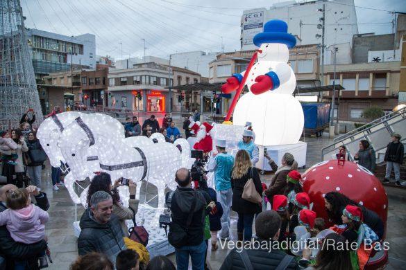 Papá Noel hace su primera parada en Guardamar 89