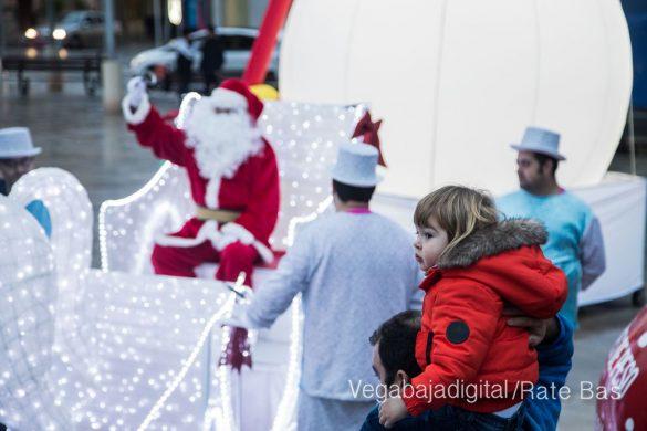 Papá Noel hace su primera parada en Guardamar 86
