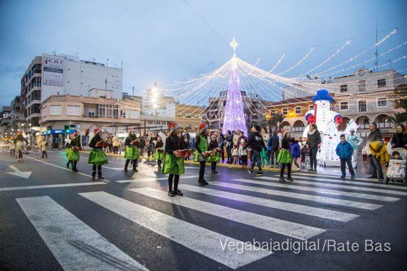 Papá Noel hace su primera parada en Guardamar 83