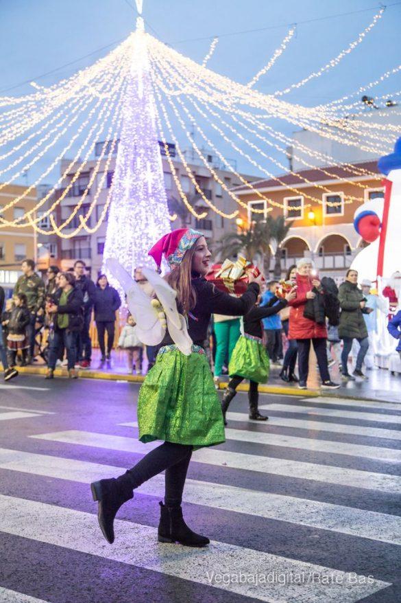 Papá Noel hace su primera parada en Guardamar 81