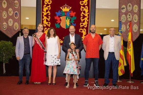 El Ayuntamiento homenajea a los cargos festeros de los Moros y Cristianos 39